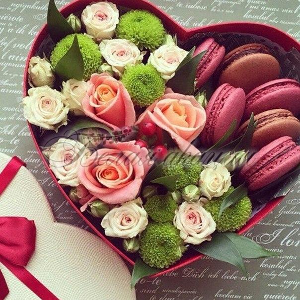 Макароны с цветами в коробочке фото