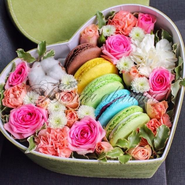 Подарок с макаронами и цветами 37